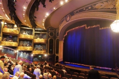QUEEN ELIZABETH - Royal Court Theatre